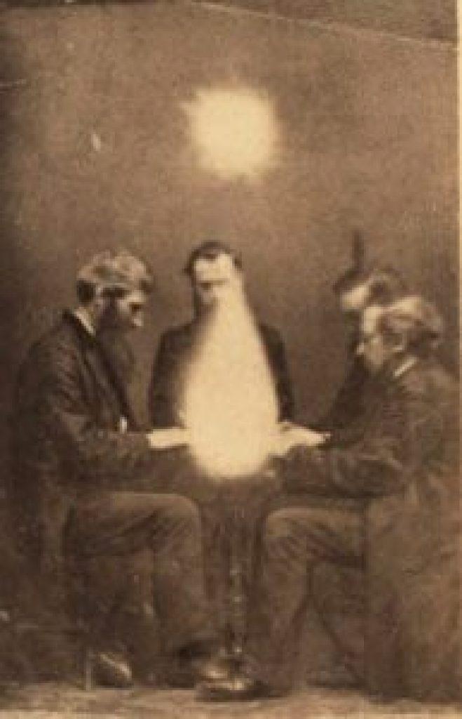 Séance, Bristol England, 1872. Public domain.