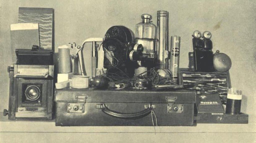 Harry Price's paranormal investigation equipment kit, 1936. Wikimedia Commons, public domain.
