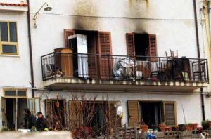 What caused the mysterious Canneti di Caronia fires?