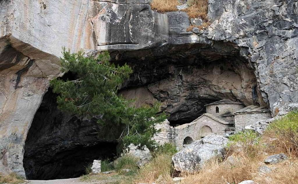 The Davelis Cave
