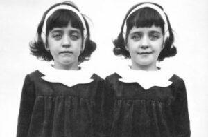 the pollock twins Gillian and Jennifer